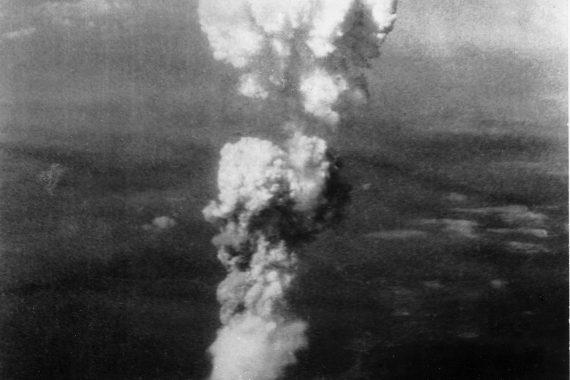 Atomic cloud over Hiroshima (George R. Caron / Public domain)